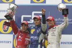 Podio: ganador de la carrera Nelson A. Piquet, Nico Rosberg y Ernesto Viso