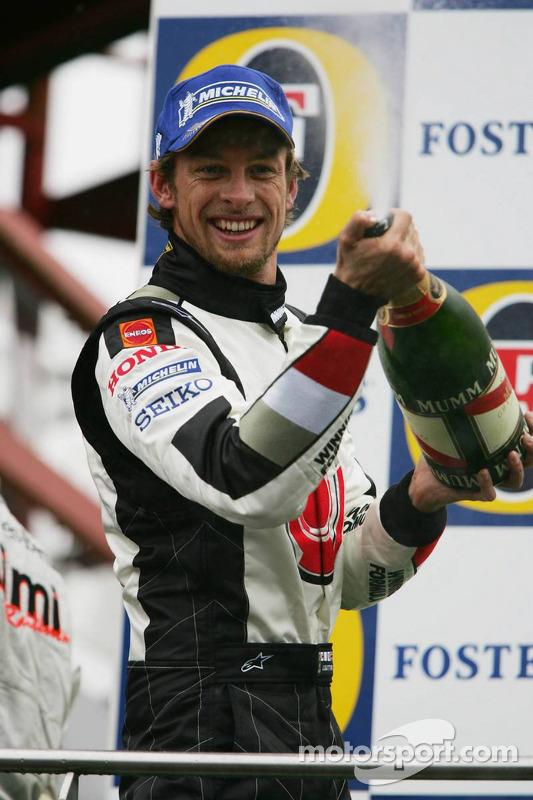 Podio: champagne para Jenson Button tercer lugar