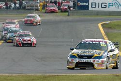 Craig Lowndes continues to stretch his lead