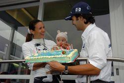 Antonio Pizzonia celebrates his 25th birthday with his girlfriend Maureen and daughter Sophia
