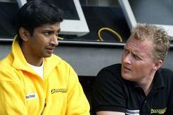 Narain Karthikeyan ve Johnny Herbert