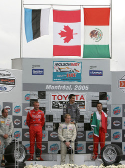 Podium: 2005 Atlantic Series champion Charles Zwolsman, race winner Antoine Bessette, Tonis Kasemets, David Martinez and C2 class winner Daryl Leiski