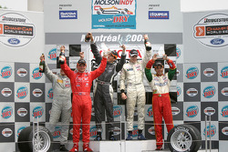 Podium: 2005 Atlantic Series champion Charles Zwolsman with race winner Antoine Bessette, Tonis Kase