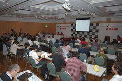 Conferencia de prensa de Yamaha