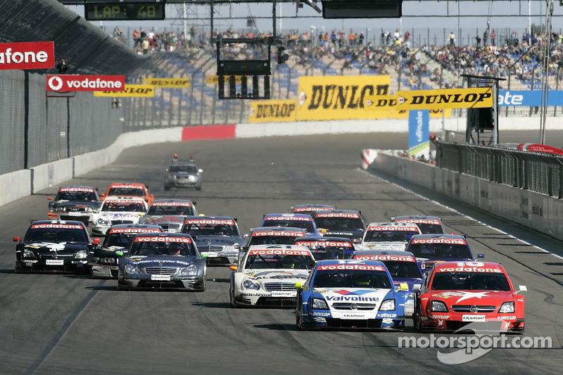 Start: Heinz-Harald Frentzen and Manuel Reuter battle for the lead