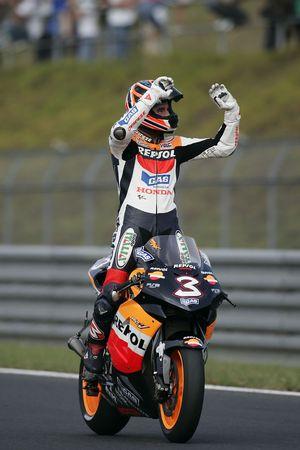 Max Biaggi fête sa deuxième place