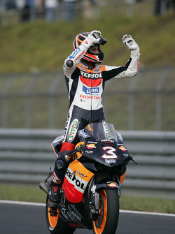 Max Biaggi celebrates second place