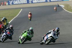 Kenny Roberts Jr., Suzuki; Shinya Nakano, Kawasaki