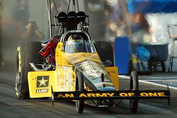 Tony Schumacher leads Friday qualifying for Top Fuel