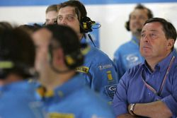 Patrick Faure watches flying lap, Fernando Alonso