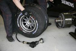 Tire warmers, McLaren