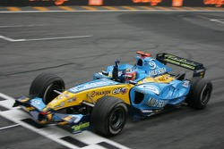 Fernando Alonso crossed the finish line to become the 2005 World Champion