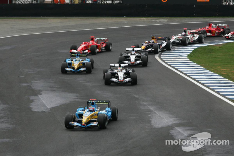 Salida: Fernando Alonso lidera sobre Juan Pablo Montoya