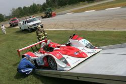 The wrecked #27 Lola B05/40 Judd