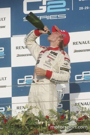 Podio: champage para Nico Rosberg