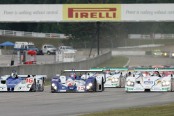 Start: battle for the lead between #16 Dyson Racing Team Lola EX257 AER: James Weaver, Butch Leitzin