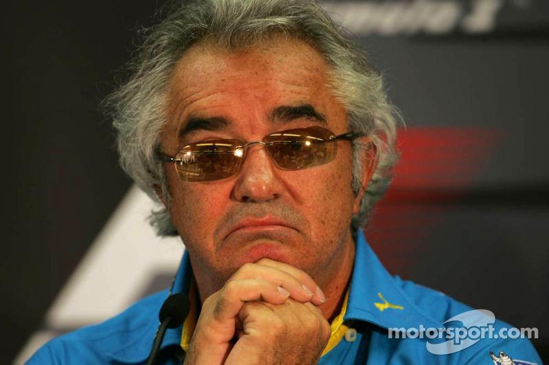 Thursday FIA basın toplantısı: Flavio Briatore