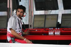 Ingeniero de la carrera de Toyota Francesco Nenci