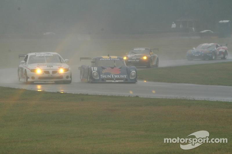 #10 SunTrust Racing Pontiac Riley: Wayne Taylor, Max Angelelli, #32 Horizon Motorsports LLC Pontiac