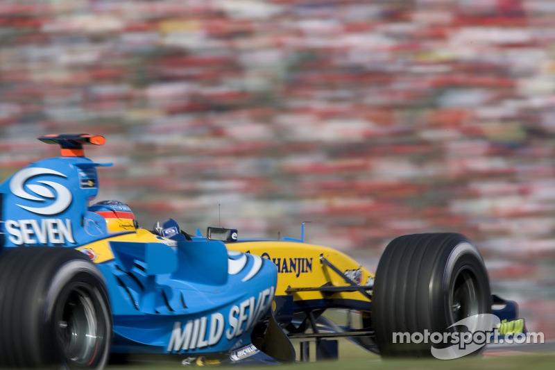 9. Фернандо Алонсо – 18 гонок (Турция-05 – Германия-06), Renault, 7 побед