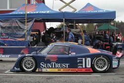 #10 SunTrust Racing Pontiac Riley: Wayne Taylor, Max Angelelli in the pit