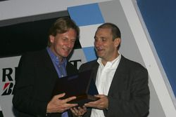 David Sears accepts the award for third placed team