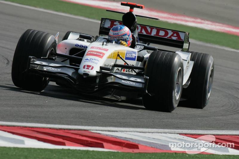 2005 - BAR 007 (motor Honda)