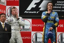 Podium: Sieger Fernando Alonso mit Kimi Räikkönen