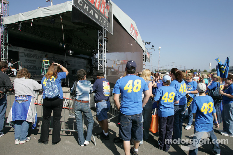 Fans at the Speed Channel stage