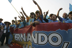 Renault F1 fans celebrate