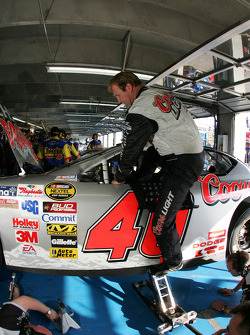 Sterling Marlin climbs out of his car