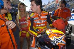 Toni Elias on the starting grid