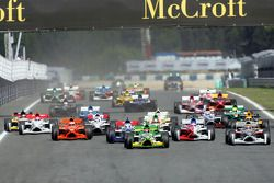 Start: Nelson A. Piquet takes the lead