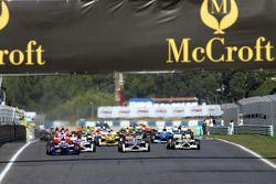 Start: Alexandre Premat takes the lead