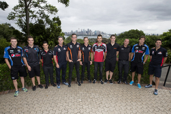 Pilotos da V8 Supercars no Taronga Zoo