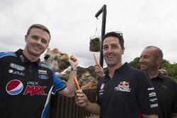 Mark Winterbottom de FPR Ford, Jamie Whincup de Red Bull Holden y Marcos Ambrose del equipo Penske F