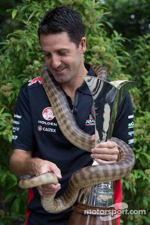 Jamie Whincup, Red Bull Holden com uma cobra