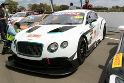 #8 Flying B Motorsport, Bentley Continental GT3: Peter Edwards, John Bowe, David Brabham