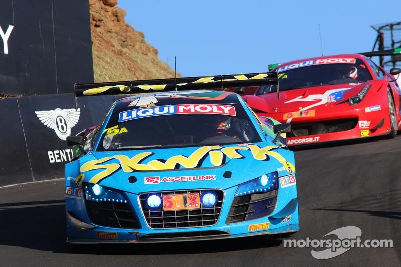 #5 Audi R8 LMS ultra: Rod Salmon, Nathan Antunes, Oliver Gavin