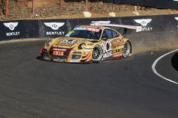 #12 Porsche GT3 R: David Calvert-Jones, Patrick Long, Chris Pither in trouble