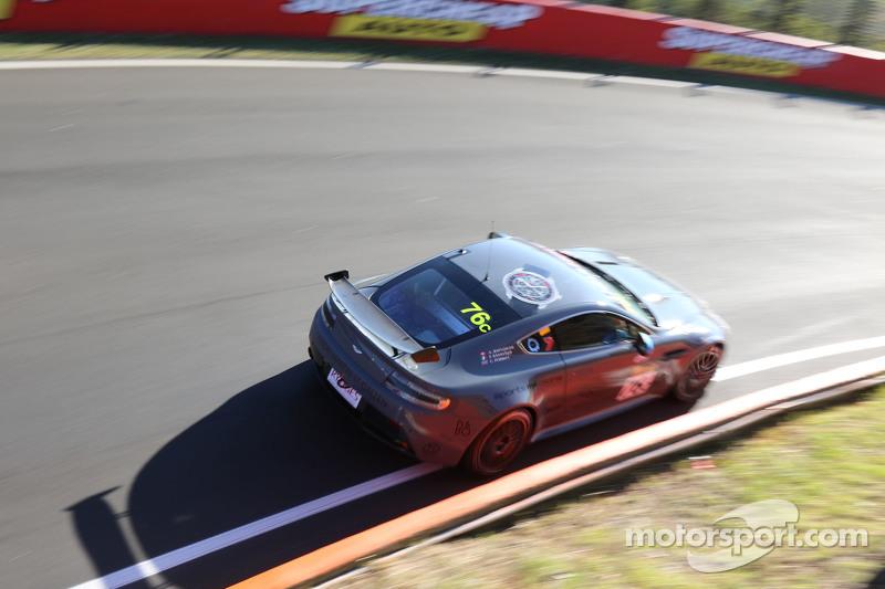 #76 阿斯顿·马丁Vantage GT4: Andreas Baenziger, Florian Kamelger, Christopher Porritt