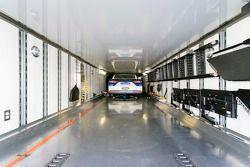 سيارة روش-فينواي التابعة لريكي ستينهاوس جونيور يتم إرسالها إلى متعهدي النقل في طريقها إلى دايتونا