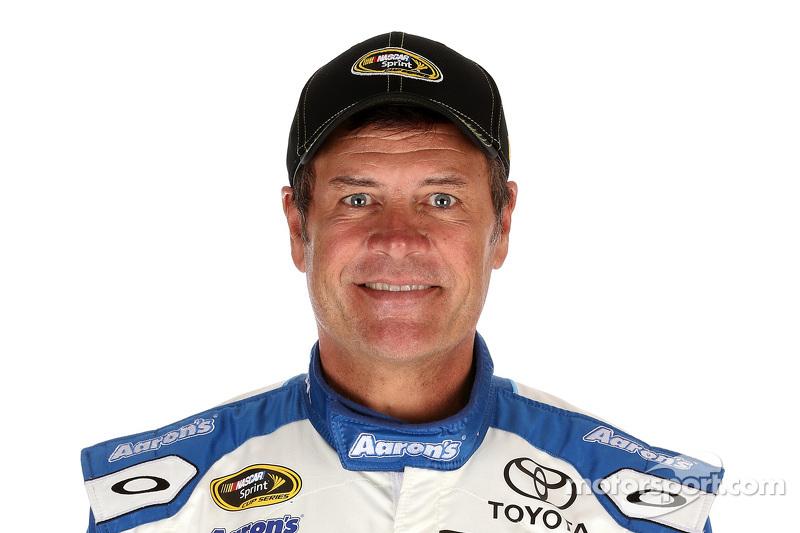 Майкл Уолтріп, Michael Waltrip Racing Toyota