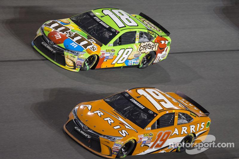 Карл Едвардс, Joe Gibbs Racing Toyota, Кайл Буш, Joe Gibbs Racing Toyota