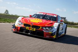 BMW reveals new livery for DTM car