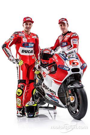 Andrea Iannone, y Andrea Dovizioso del Equipo Ducati