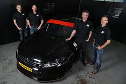 Aron Smith, Warren Scott, Jason Plato et Colin Tarkington ensemble pour la saison 2015 de BTCC
