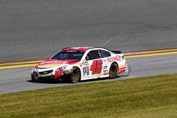 Michael Annett, HScott Motorsports Chevrolet, em apuros