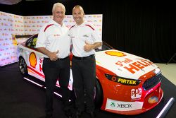 Dick Johnson y Marcos Ambrose, Team Penske Ford
