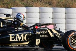 Pastor Maldonado, Lotus F1 E23 detenido en la pista